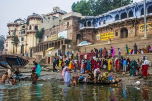 Everyone is awake and at the Ganges.