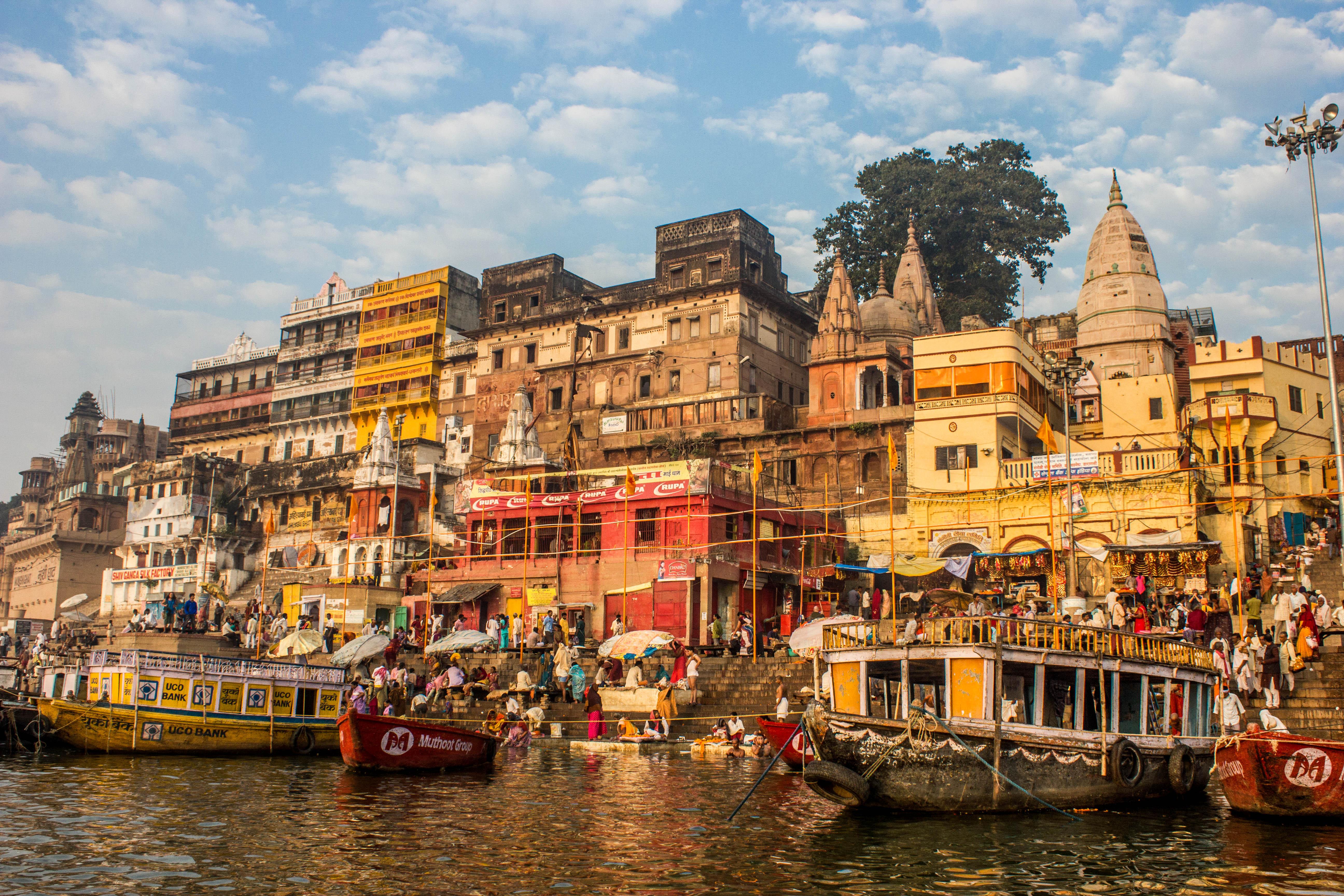 Very Nasty & Very Nice Varanasi | Red, White & Lost
