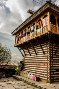 The house in Vashisht where we headed to the main road to find our way, only meters from our final destination!