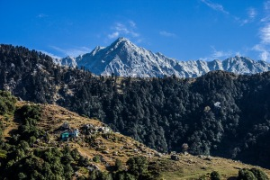 Heading to the ridge below Dhauladhar peak.